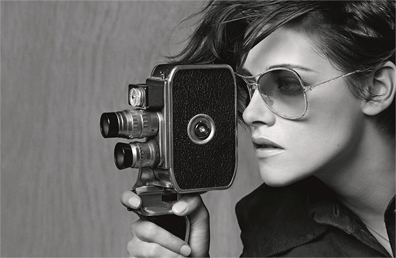 """Kristen Stewart, nuovo volto per Chanel. E su Robert Pattinson: """"Ho la mia vita e vado avanti"""""""