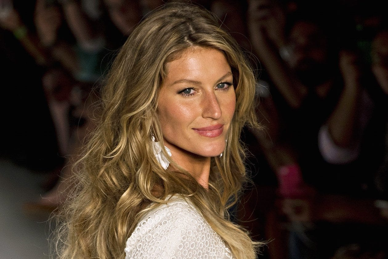 La super model Gisele Bündchen lascia le passerelle, ma non la moda
