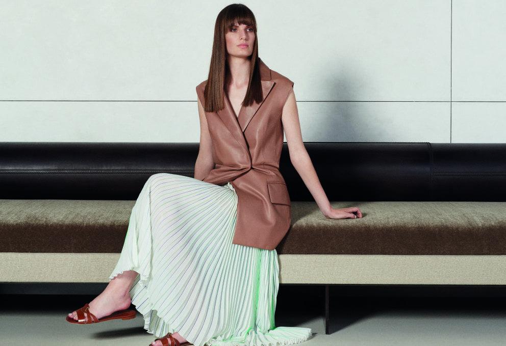 La donna Agnona Spring/Summer 2016 è sofisticata ed essenziale