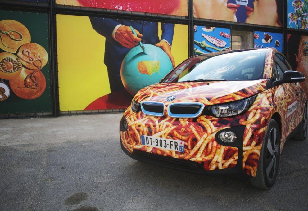 CATTELAN PRESENTA LA SPAGHETTI CAR