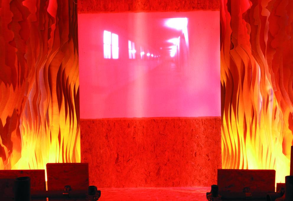 """Alla Fondazione Prada """"Slight Agitation"""" di Tobias Putrih"""