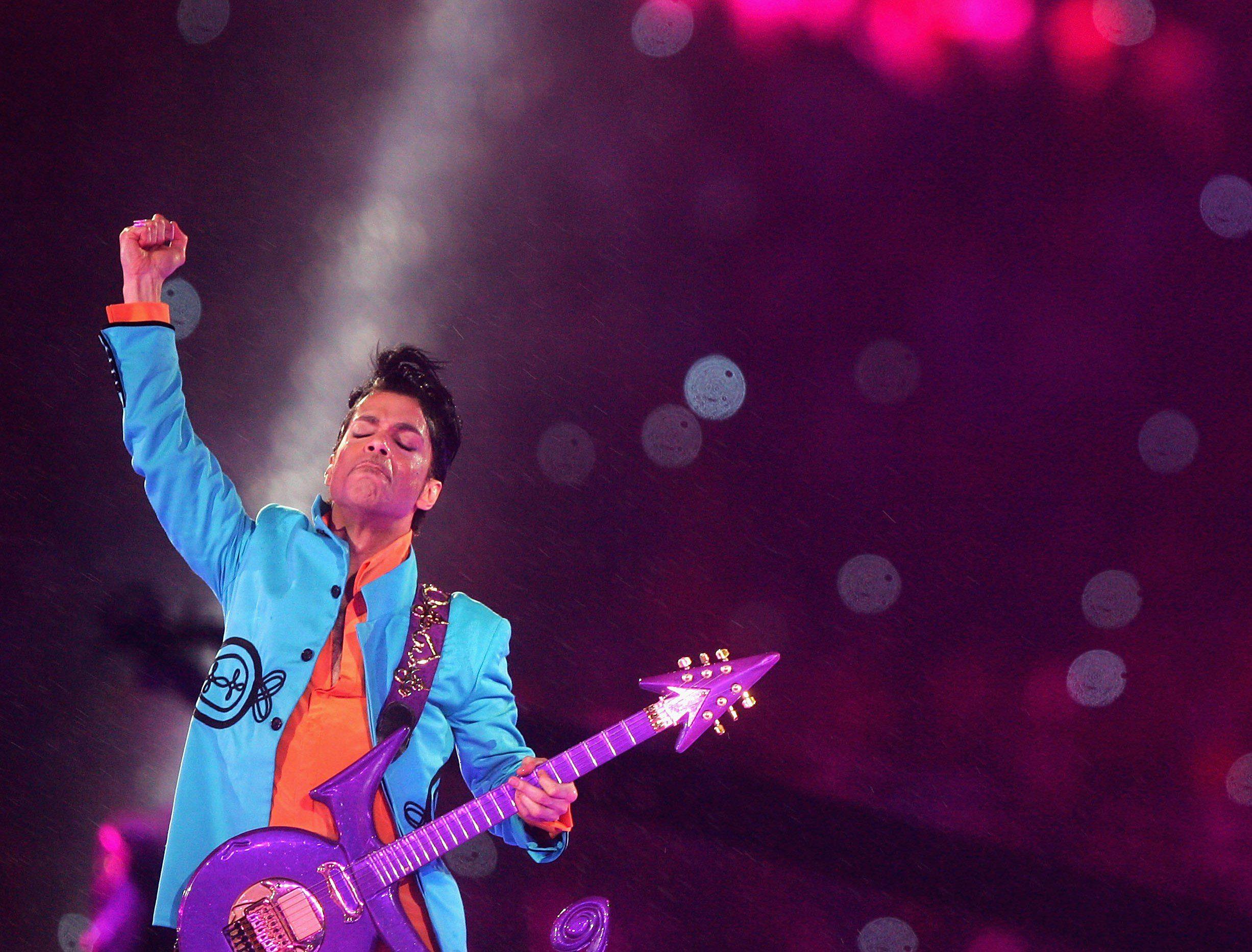 musica: prince esce con inediti la riedizione di purple rain