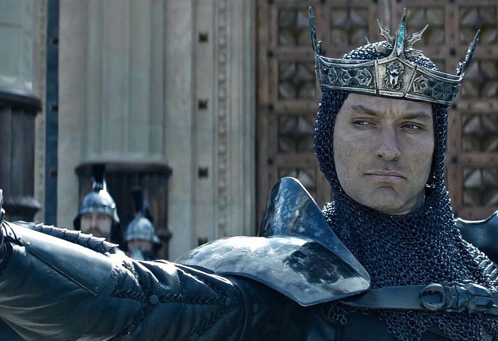 TIRELLI VESTE KING ARTHUR DI GUY RITCHIE