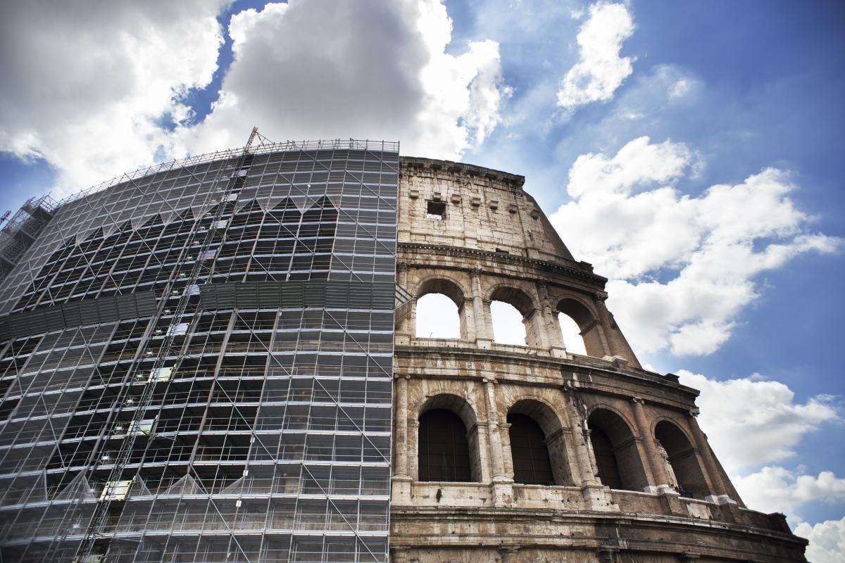 Arte: Tod's ed il restauro del Colosseo. L'esterno.