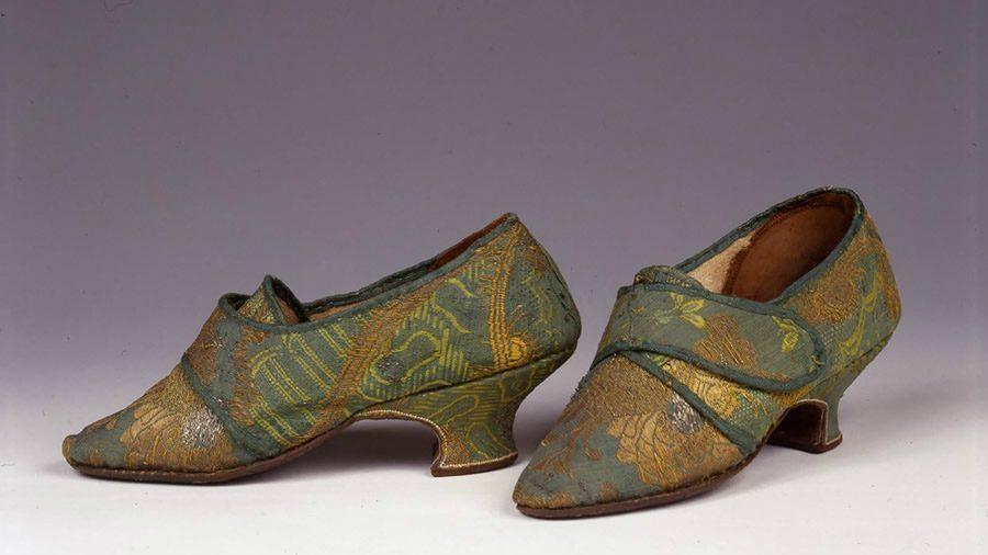 mostra italian shoes european footprint