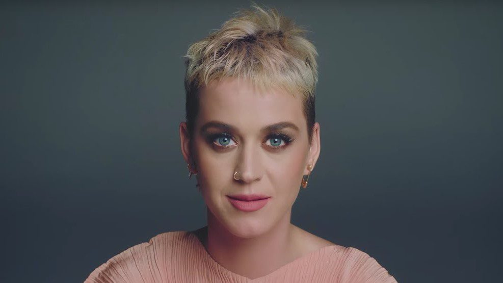 KATY PERRY SI SCUSA PER IL VIDEO DI 'THIS IS HOW WE DO'