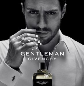 Lifestyle: Givenchy reinterpreta la celebre fragranza Gentlemen. L'attore Aaron Taylor-Johnson