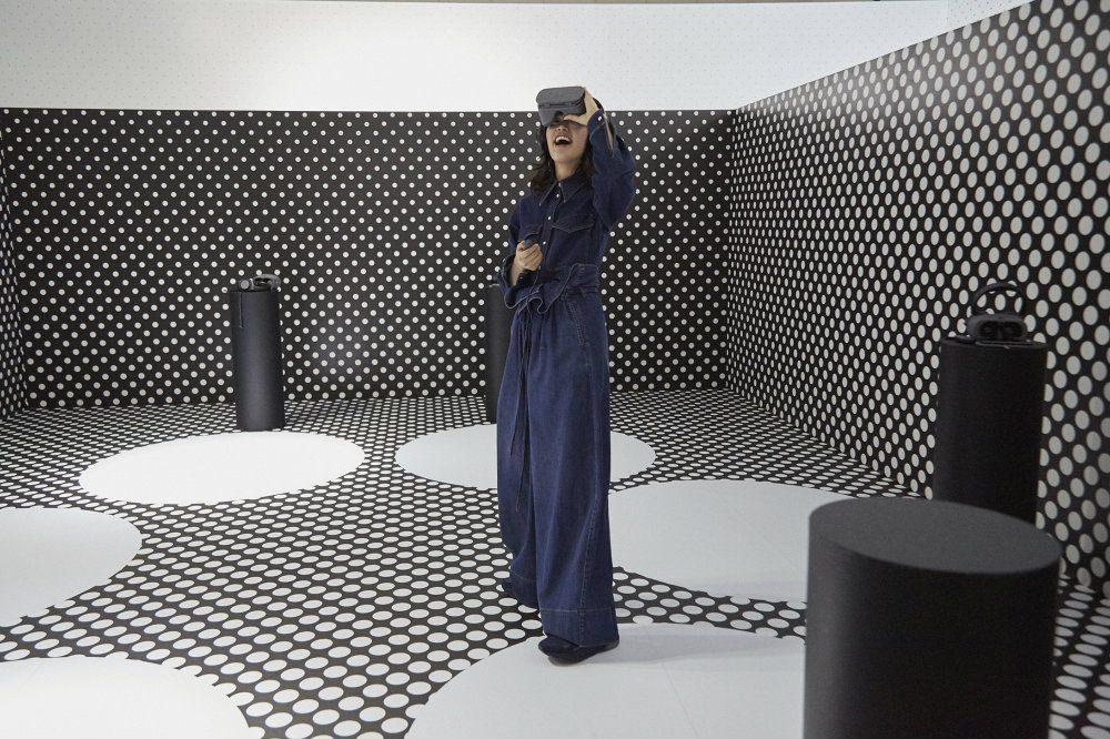 Moda: Il mondo virtuale di di Stella McCartney e Adidas. Un momento della presentazione a Tokyo