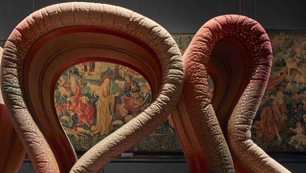 ALCANTARA AL VICTORIA & ALBERT MUSEUM DI LONDRA