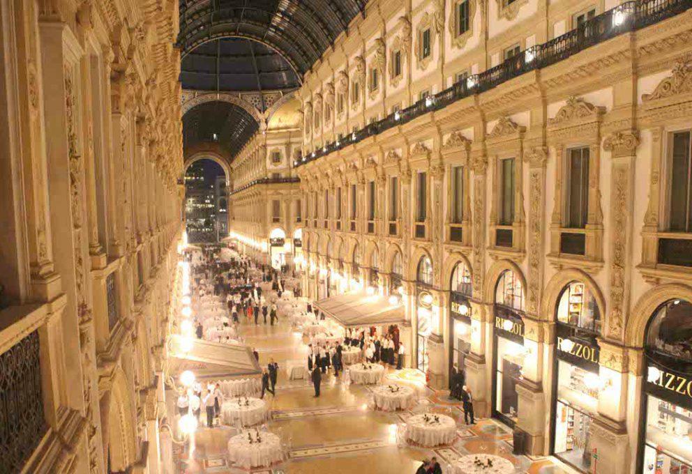 I 150 DELLA GALLERIA DI MILANO, L'EVENTO RACCOGLIE 300.000 EURO