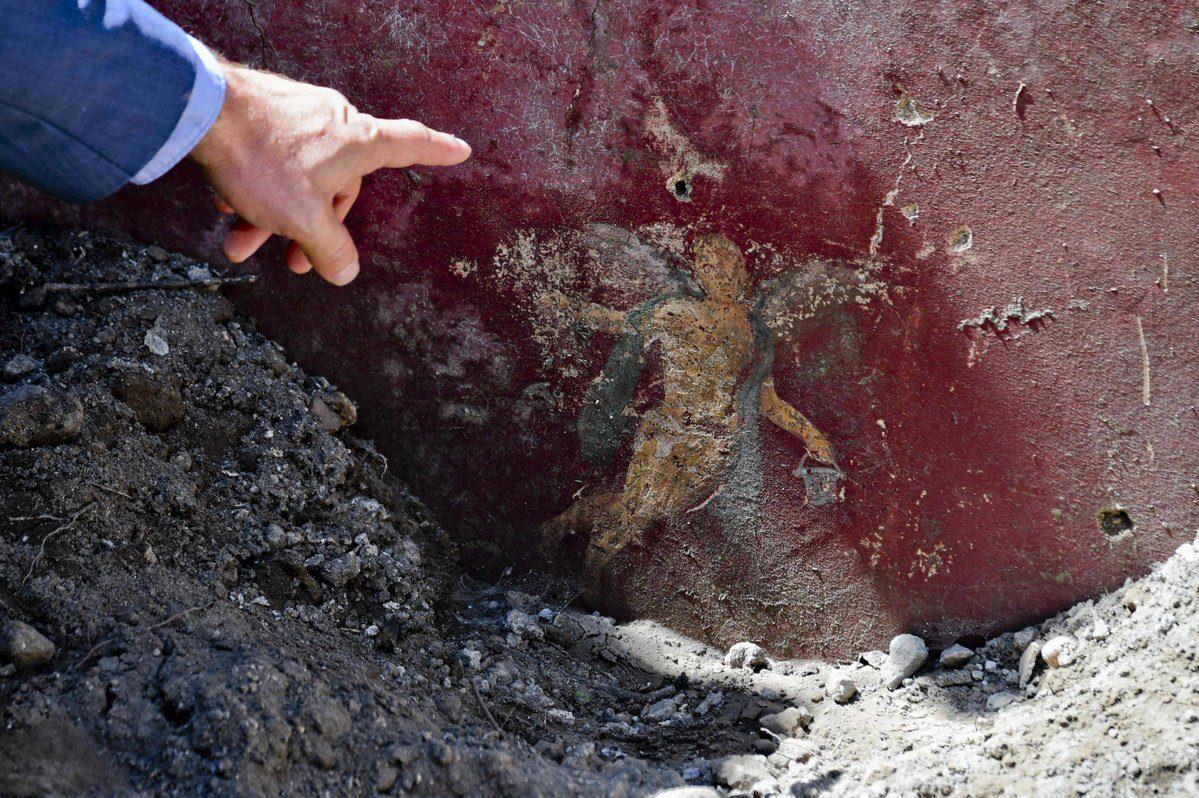 mam-e arteRIEMERSO IL VICOLO DEI BALCONI A POMPEI rosso pompeiano