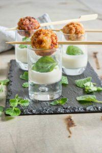 mame food A TAVOLA SI STA INSIEME - ANTONINO CANNAVACCIUOLO polpette profumo di zenzero e latte di cocco
