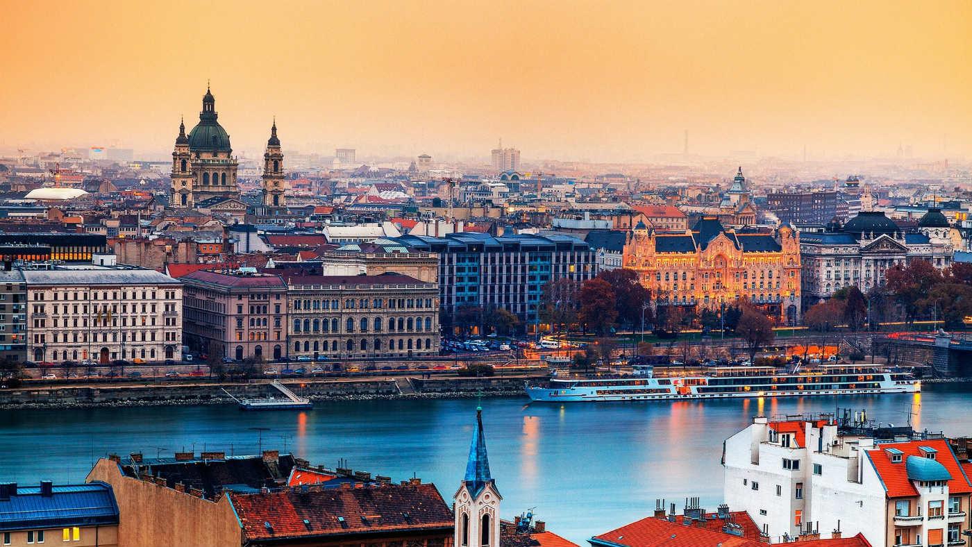 Mame Moda Trend 2018 cosa indossare a Budapest. Trend 2018