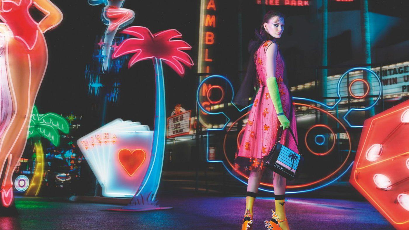 Mame Moda Prada presenta il cortometraggio Neon Dreams. Frame shot film