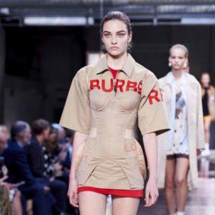 Mame Moda Riccardo Tisci, nuova era per Burberry. Abito bondage