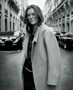 mame moda givenchy man, addio alle sfilate co-ed. Clare Waight Keller