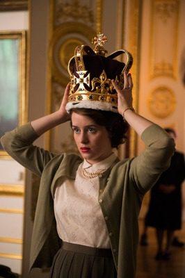 La storia al cinema (e in tv): Elisabetta II, interpretata da Claire Foy