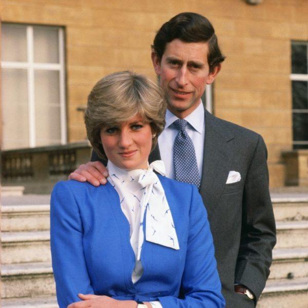 """Il principe Carlo confessa: """"Sbagliai a sposare Diana"""". Foto del 1981, quando i due erano fidanzati."""