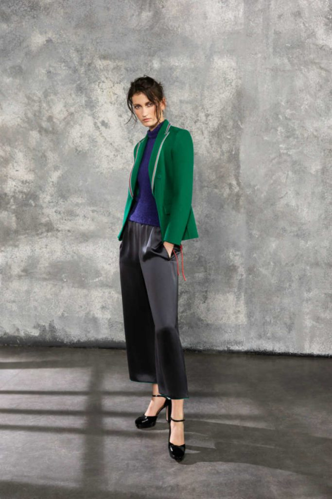 Giorgio Armani Pre-Fall 2019, ritornano i Nineties. Cropped pants