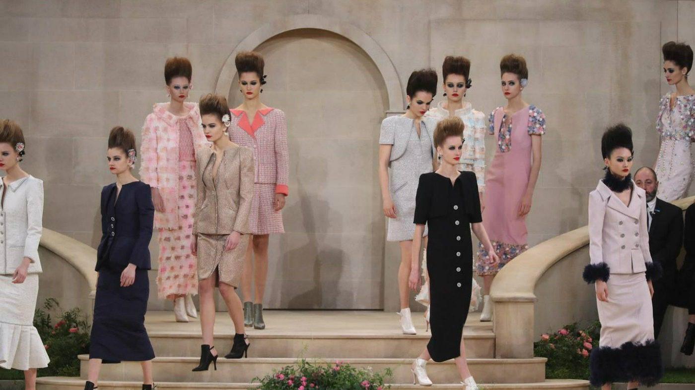Chanel haute Couture nel giardino fiorito
