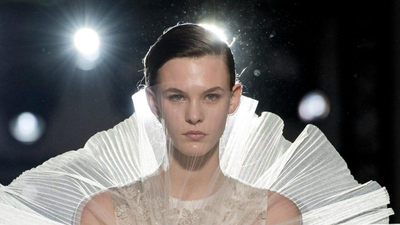 Giambattista Valli, l'incanto Haute Couture. Dettaglio abito