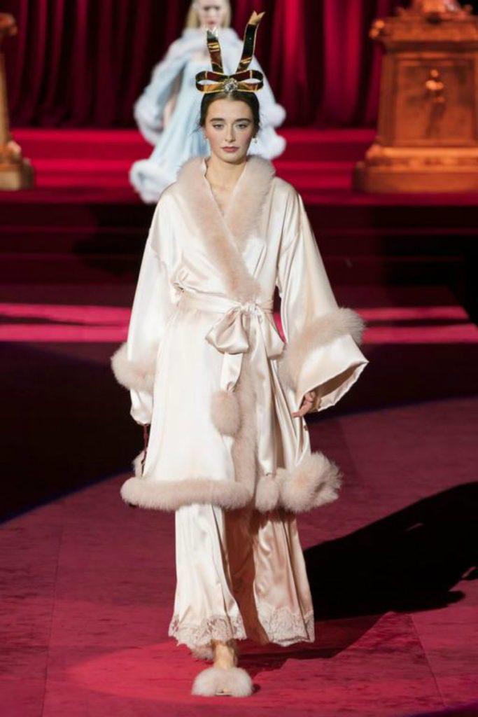 Dolce&Gabbana FW19, elogio intimo all'eleganza. Robe de chambre