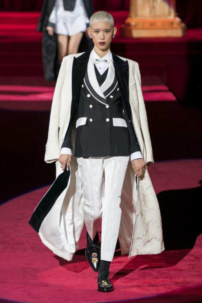 Dolce&Gabbana FW19, elogio intimo all'eleganza. Tailleur black&white