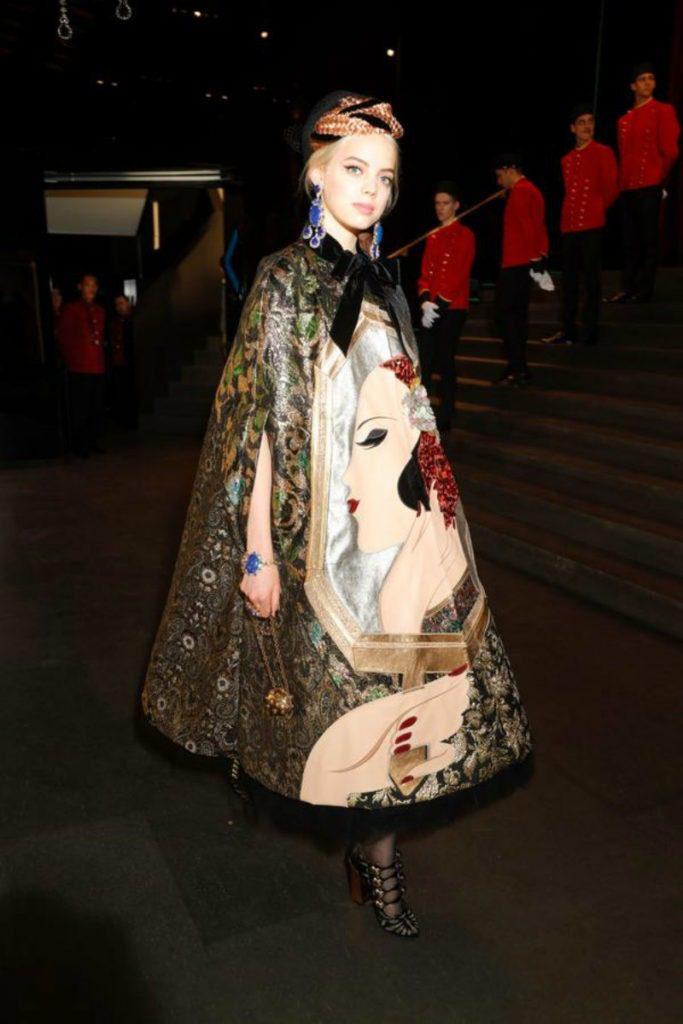 Maschere e tailoring, il resoconto della MFW. Cappa Dolce&Gabbana FW19
