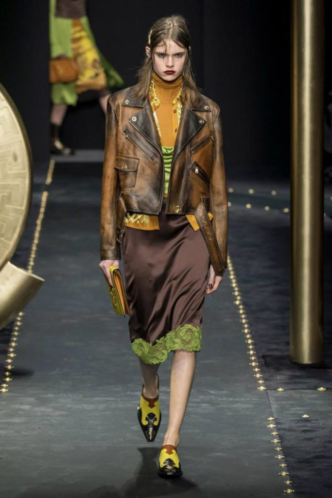Versace FW19 tra grunge e bongade luxury. Leather jacket