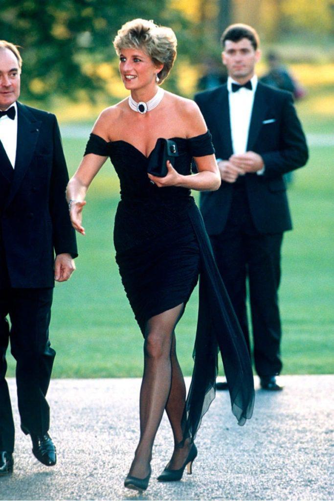 Lady Diana in mostra a Kensington Palace. Revenge dress Lady Diana