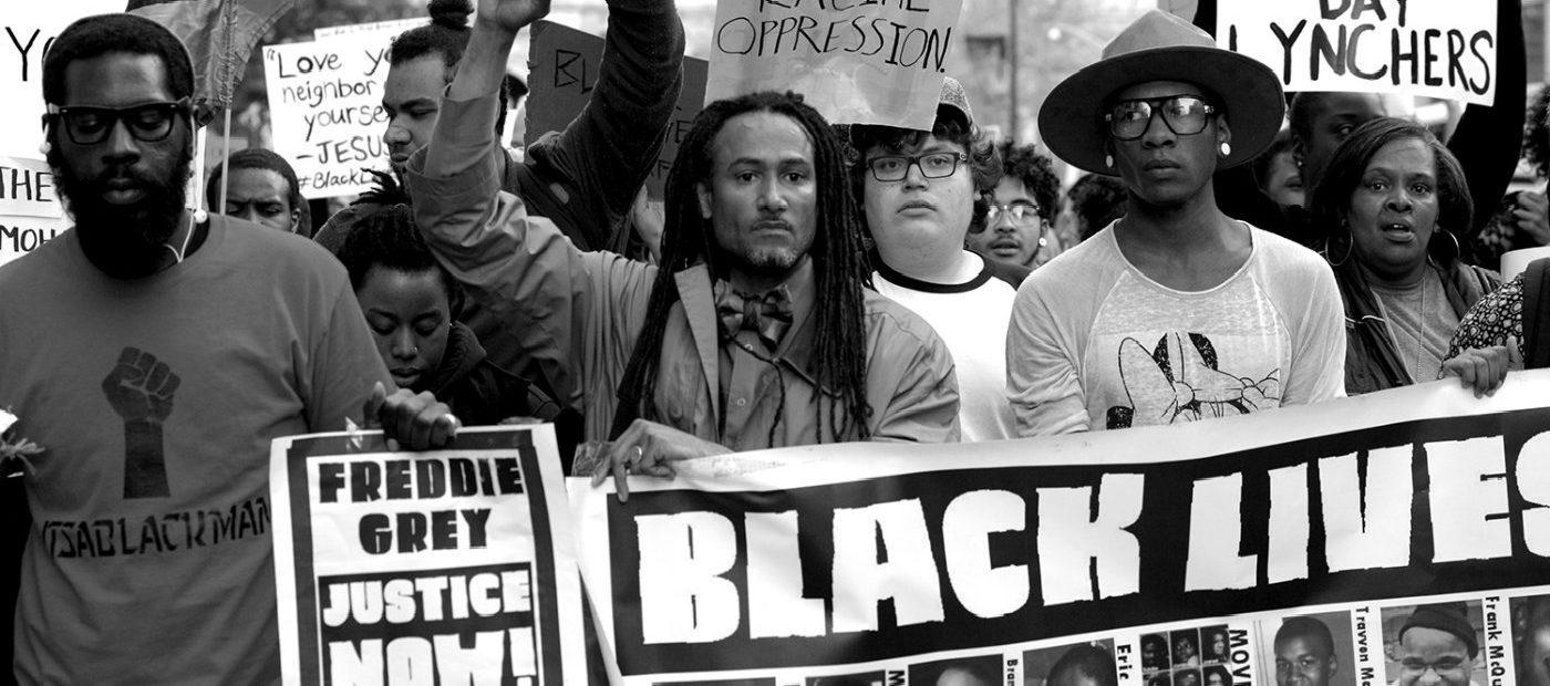 BLACK LIVES MATTER, LA MODA DICE STOP AL RAZZISMO