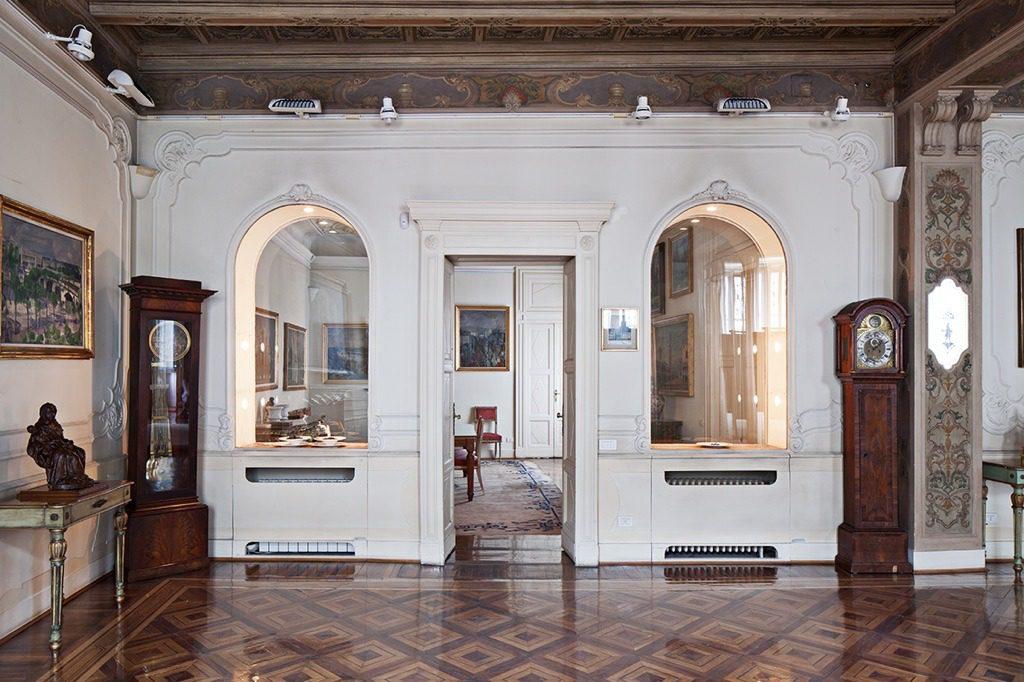 Vita d'Artista di Flavio Favelli alla Fondazione Adolfo Pini di Milano