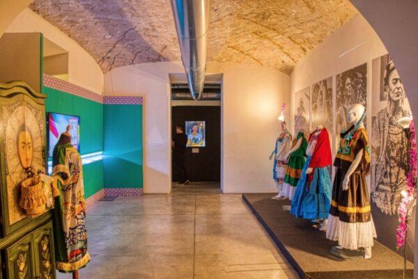 La mostra di Frida Kahlo alla Fabbrica del Vapore di Milano