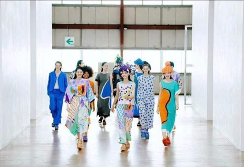 "Issey Miyake: ""Unpack the Compact"" alla Paris Fashion Week"