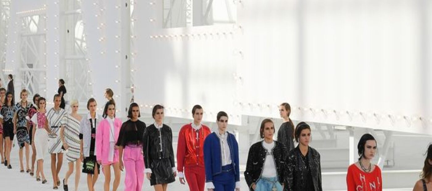 Chanel alla Paris Fashion Week: il tradizionale innovativo