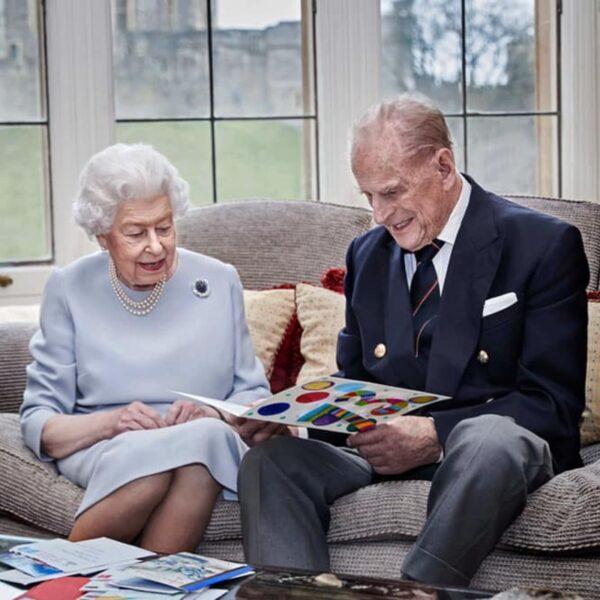gli auguri dei principini alla regina elisabetta e al principe filippo
