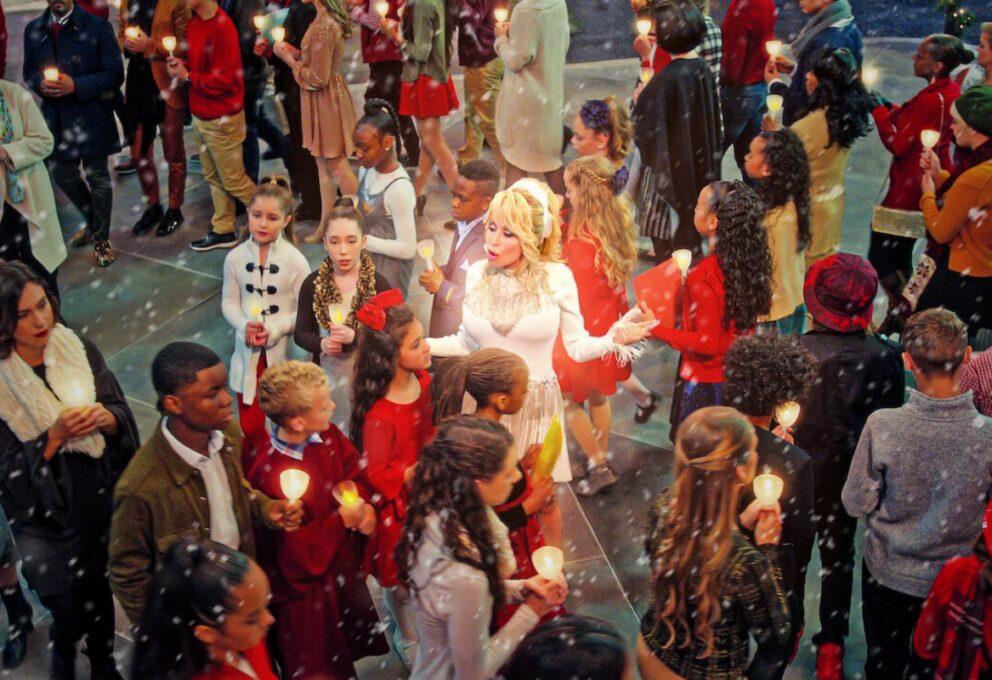 Natale in città con Dolly Parton: recensione, trama, cast