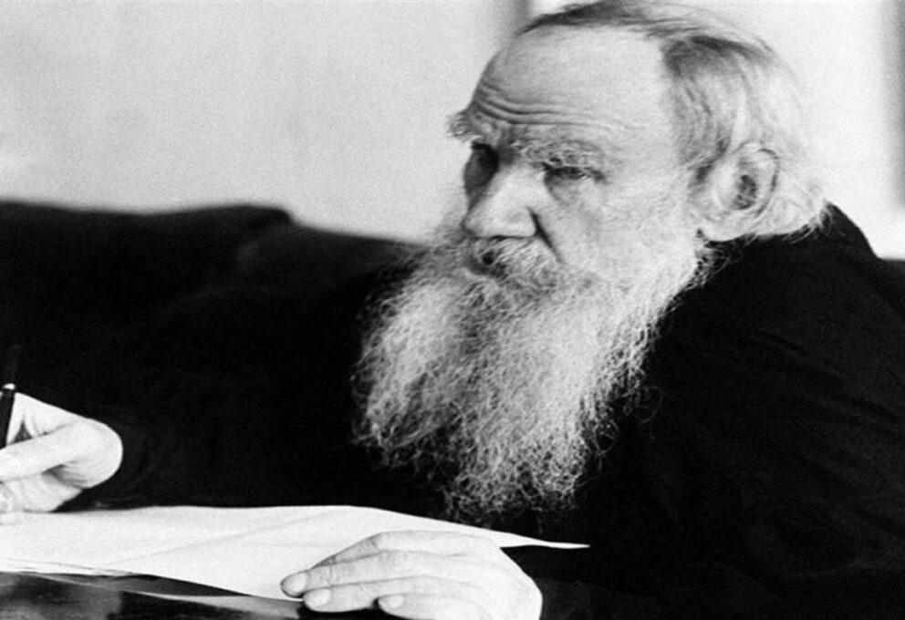 Lev Tolstoj, specchio delle contradizioni del suo tempo, moriva il 20 novembre