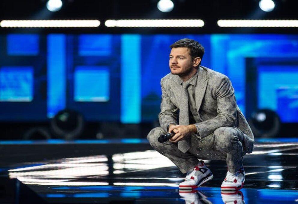 Alessandro Cattelan dice addio a X Factor durante la finale
