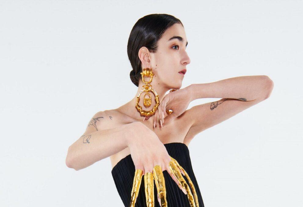 Schiaparelli Haute Couture, la moda parla un nuovo linguaggio